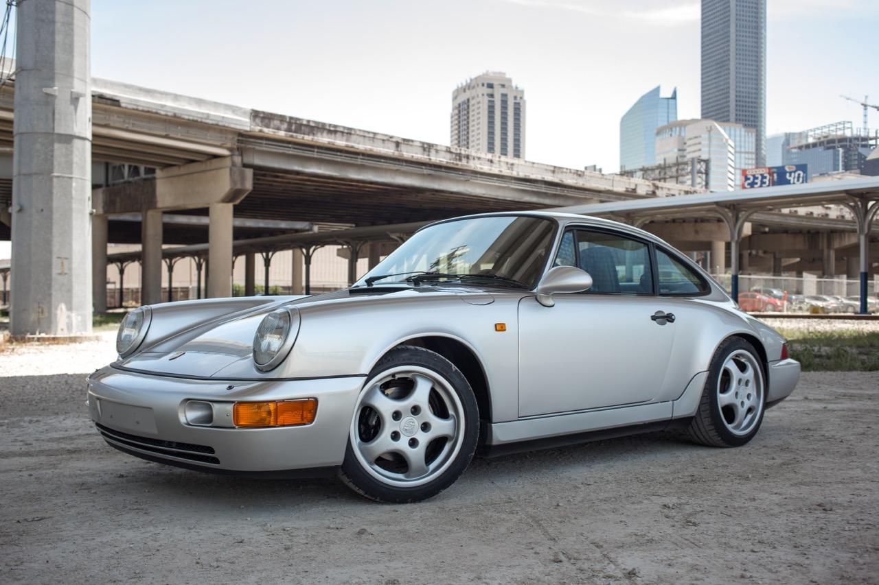 1990 Porsche 911 Carrera 2 (LS405914) - 01.jpg