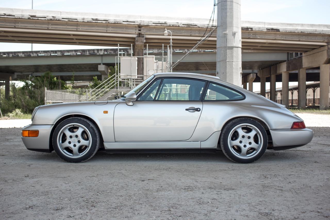 1990 Porsche 911 Carrera 2 (LS405914) - 03.jpg