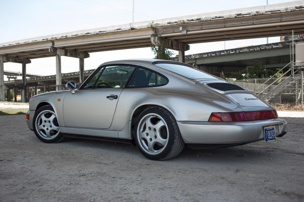 1990 Porsche 911 Carrera 2 (LS405914) - 04.jpg