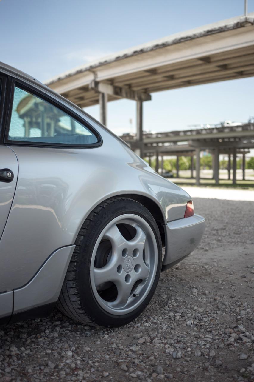 1990 Porsche 911 Carrera 2 (LS405914) - 05.jpg