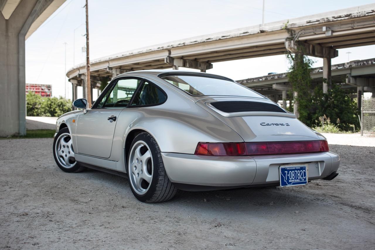1990 Porsche 911 Carrera 2 (LS405914) - 25.jpg