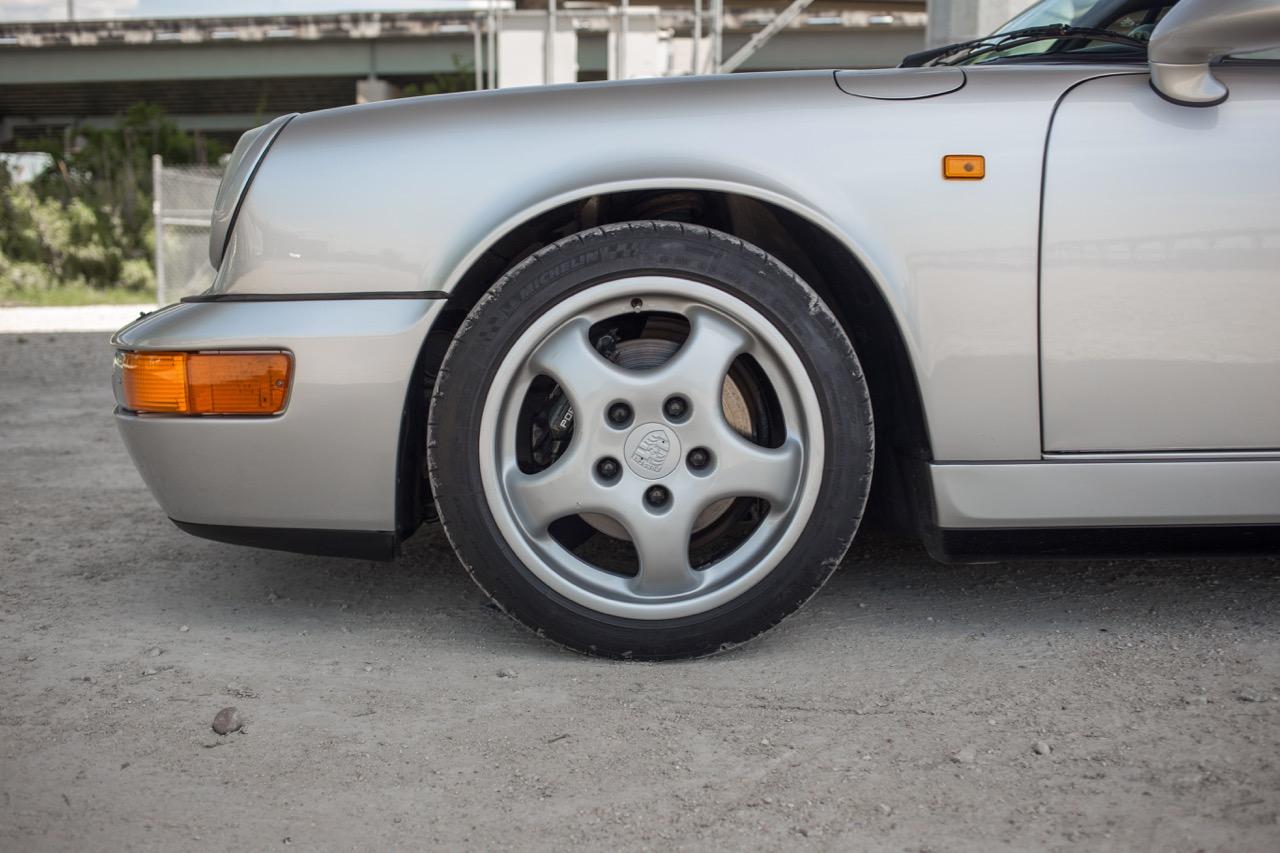 1990 Porsche 911 Carrera 2 (LS405914) - 26.jpg