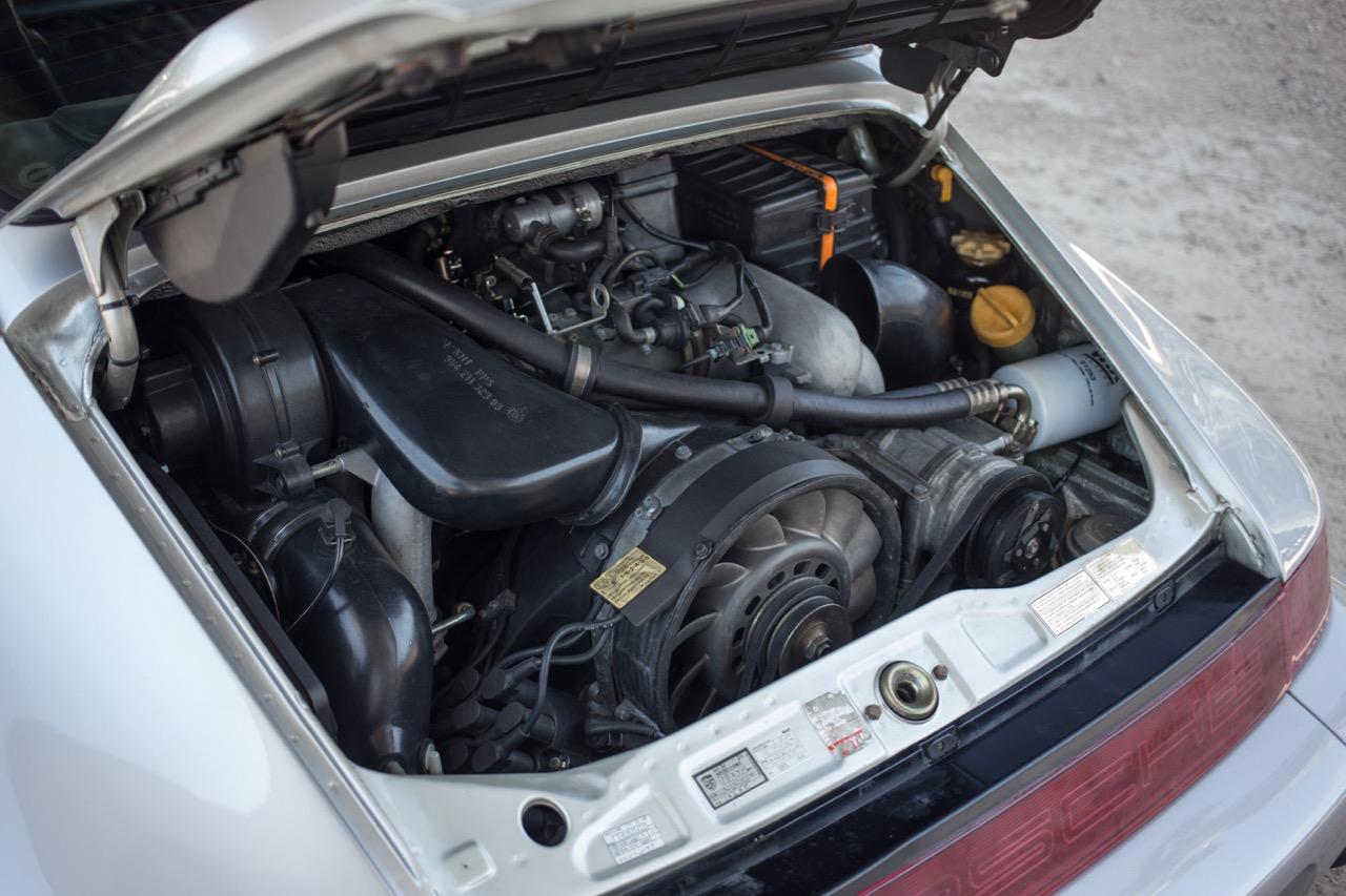 1990 Porsche 911 Carrera 2 (LS405914) - 77.jpg