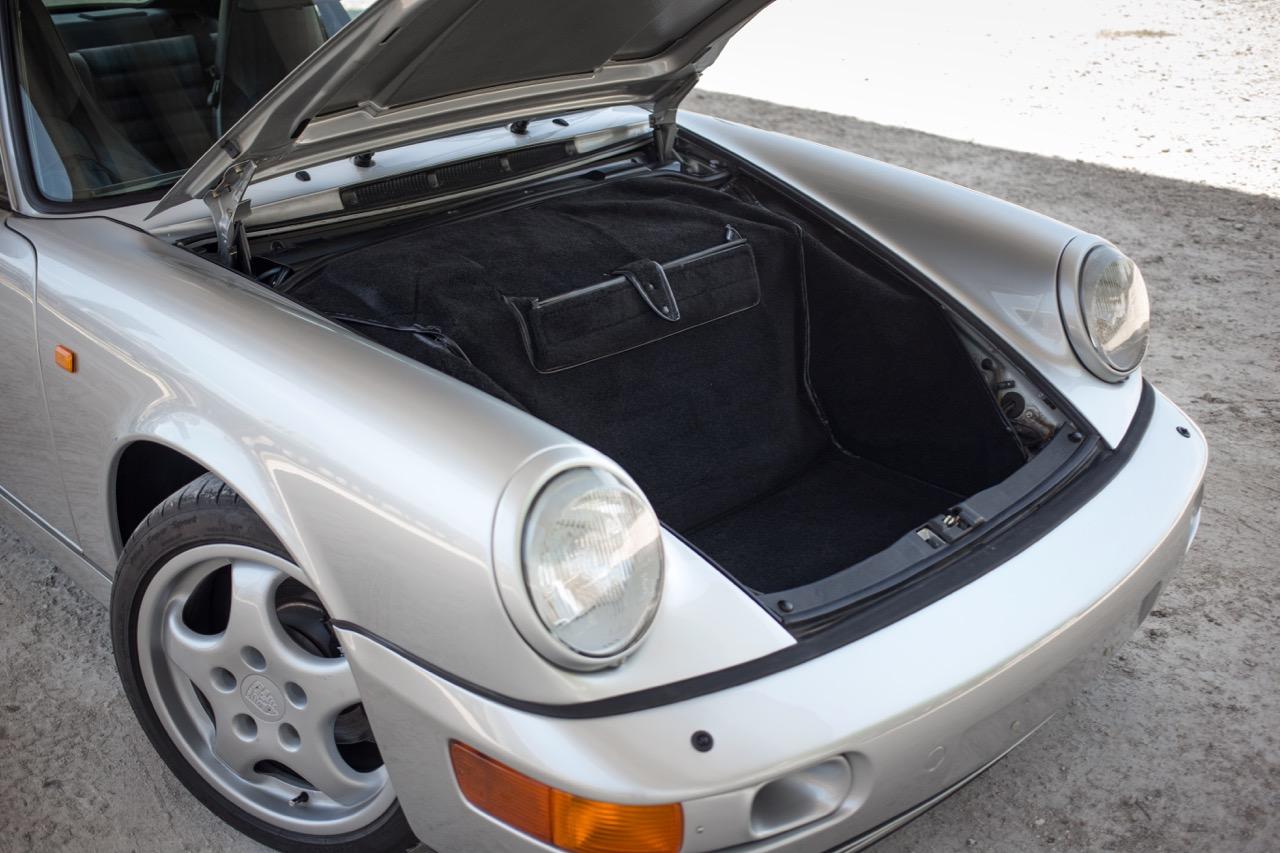 1990 Porsche 911 Carrera 2 (LS405914) - 89.jpg