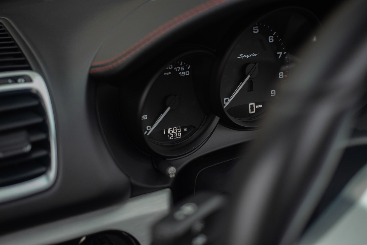 2016 Porsche Boxster Spyder (GS152671) - 43.jpg