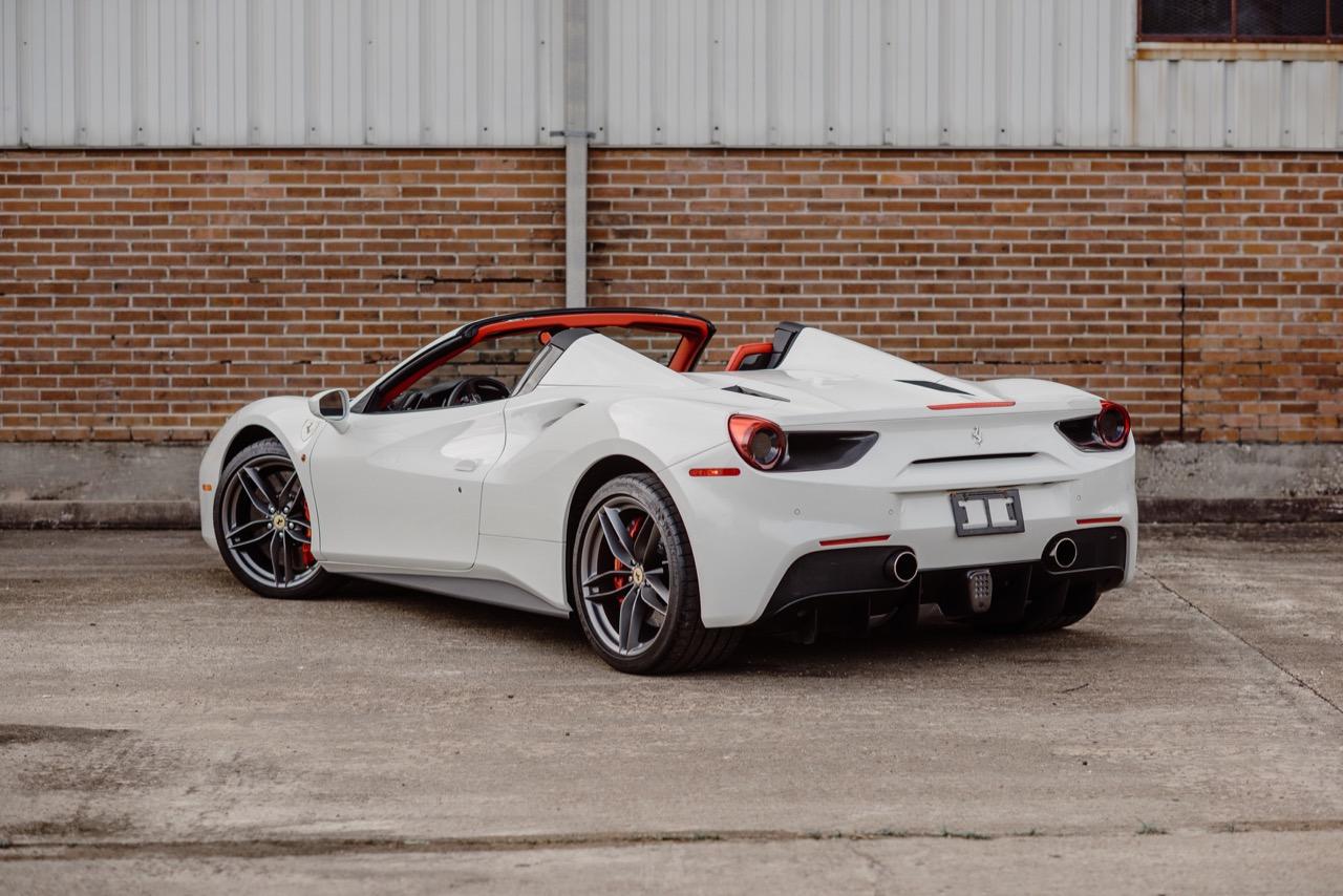 2017 Ferrari 488 Spider (H0222566) - 004.jpg