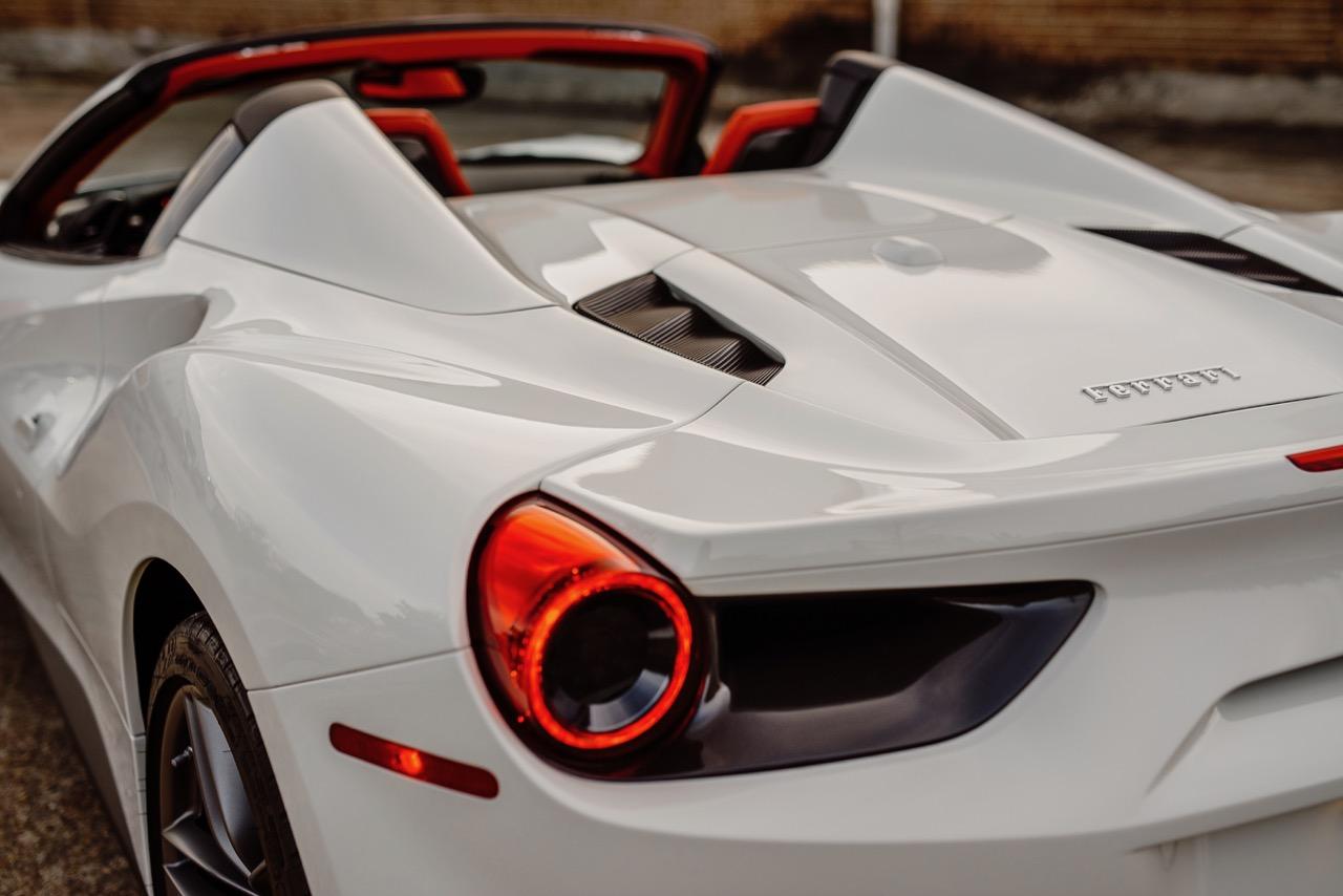 2017 Ferrari 488 Spider (H0222566) - 013.jpg