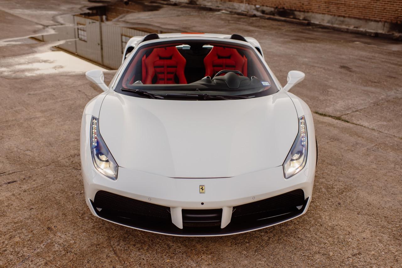 2017 Ferrari 488 Spider (H0222566) - 025.jpg