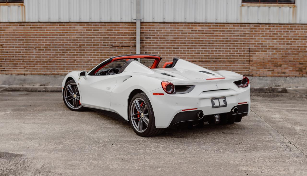 2017 Ferrari 488 Spider (H0222566) - 026.jpg