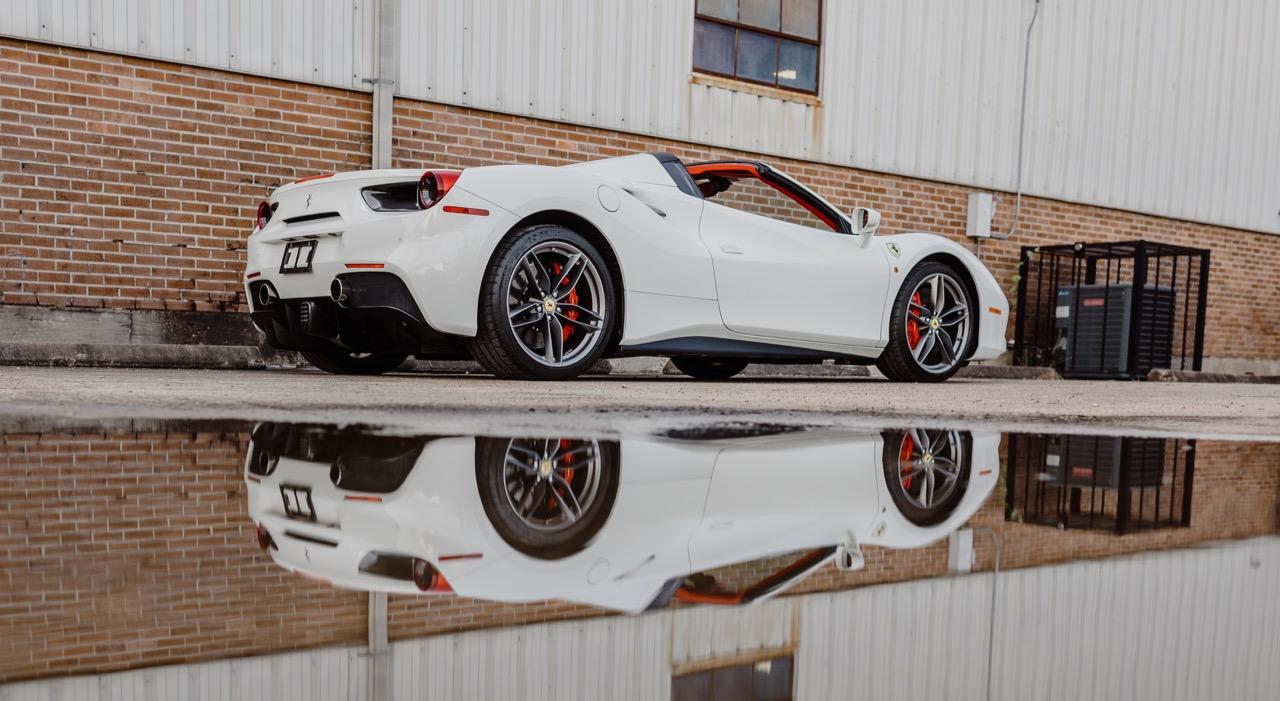2017 Ferrari 488 Spider (H0222566) - 033.jpg
