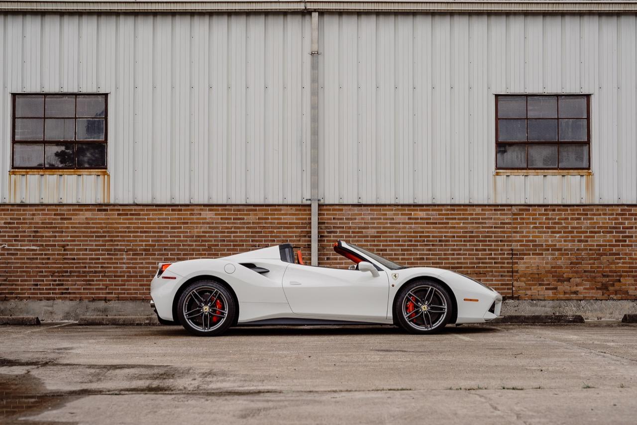 2017 Ferrari 488 Spider (H0222566) - 040.jpg