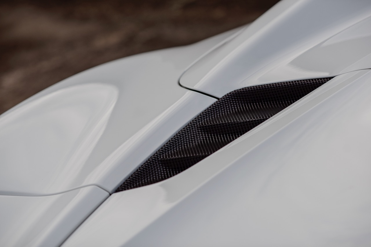 2017 Ferrari 488 Spider (H0222566) - 064.jpg