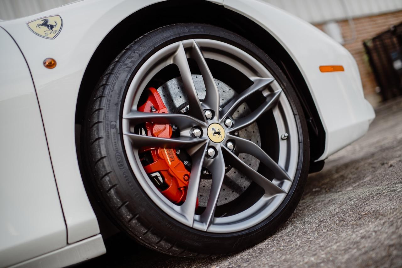 2017 Ferrari 488 Spider (H0222566) - 065.jpg