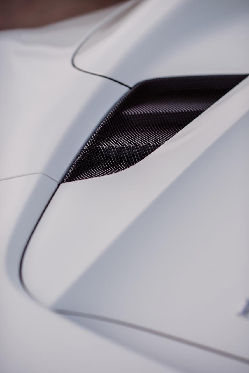 2017 Ferrari 488 Spider (H0222566) - 078.jpg