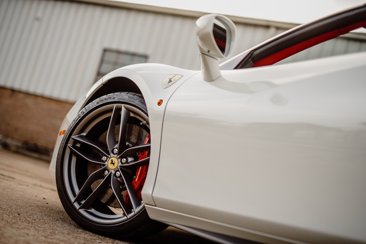 2017 Ferrari 488 Spider (H0222566) - 081.jpg