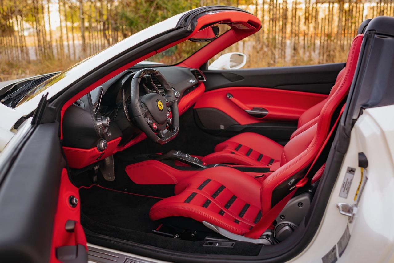 2017 Ferrari 488 Spider (H0222566) - 089.jpg
