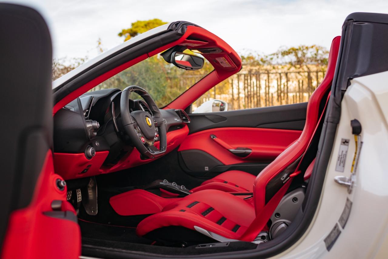 2017 Ferrari 488 Spider (H0222566) - 090.jpg