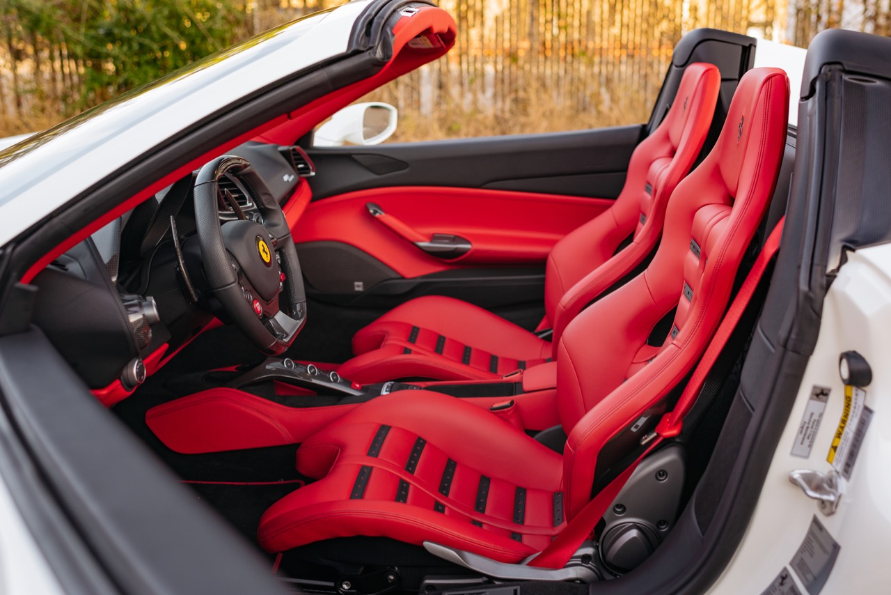 2017 Ferrari 488 Spider (H0222566) - 091.jpg
