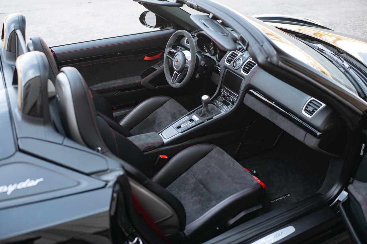 2016 Porsche Boxster Spyder (GS152106) - 049.jpg