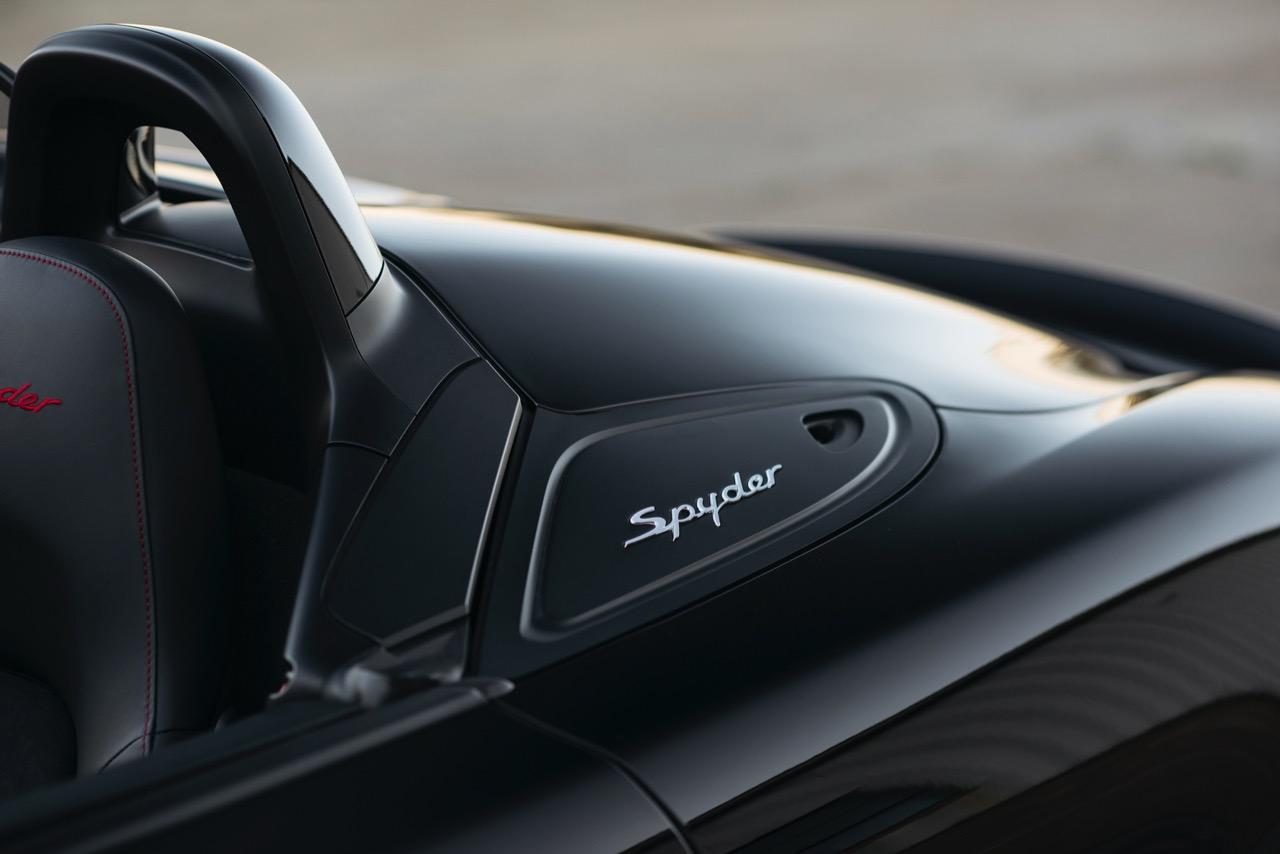 2016 Porsche Boxster Spyder (GS152106) - 098.jpg