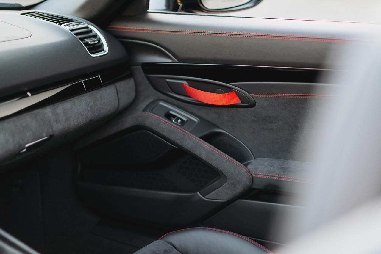 2016 Porsche Boxster Spyder (GS152106) - 104.jpg