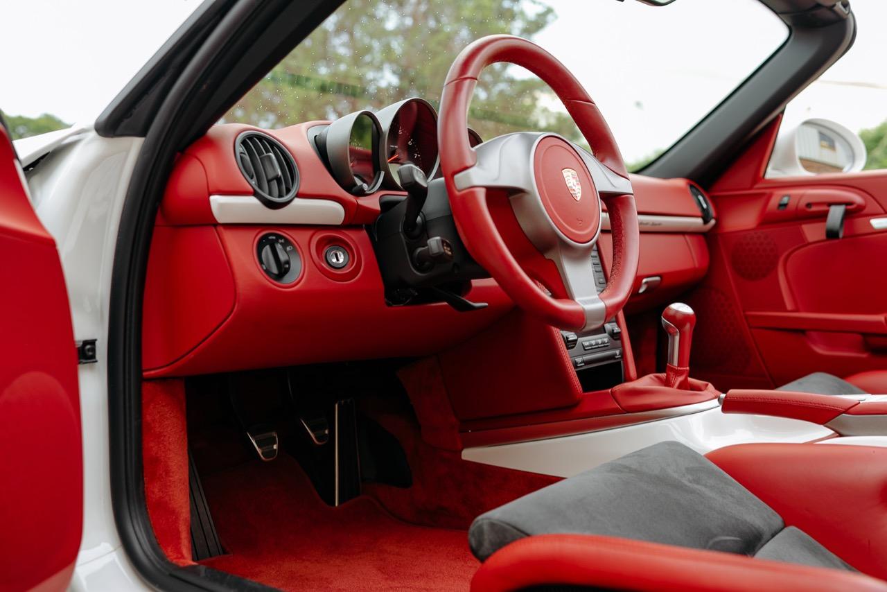2011 Porsche Boxster Spyder (BS745117) - 098.jpg