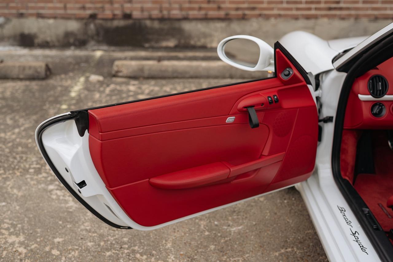2011 Porsche Boxster Spyder (BS745117) - 116.jpg