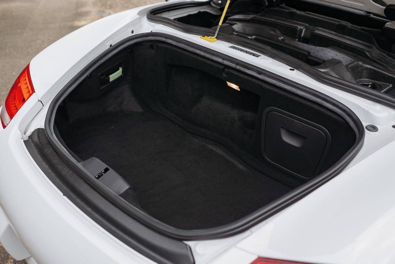 2011 Porsche Boxster Spyder (BS745117) - 126.jpg