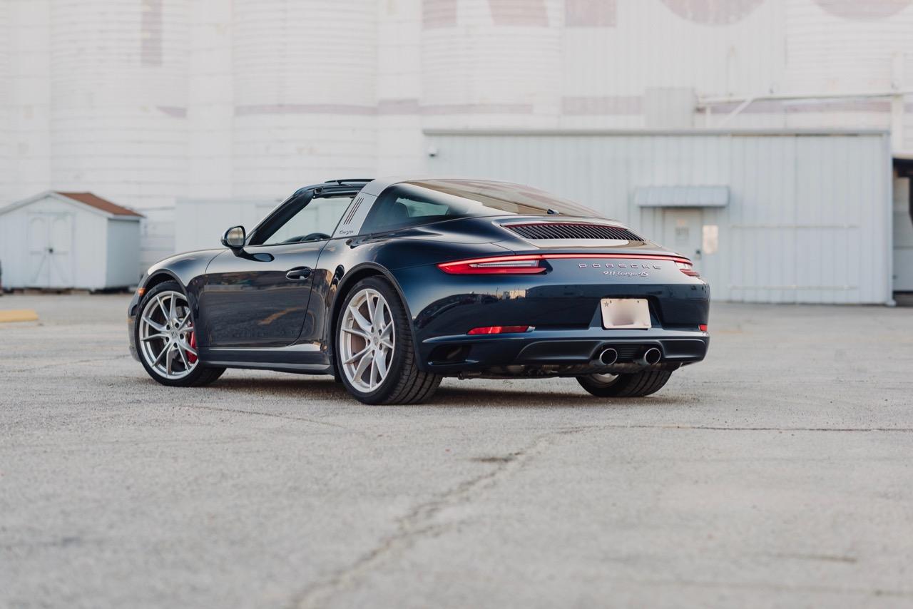 2017 Porsche 911 Targa 4S (HS136712) - 002.jpg