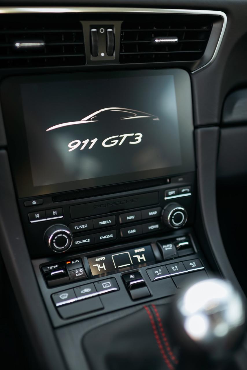 2018 Porsche 911 GT3 Touring (JS177180) - 24.jpg