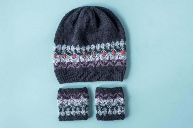 Bohus Wristwarmers and Hat.jpg