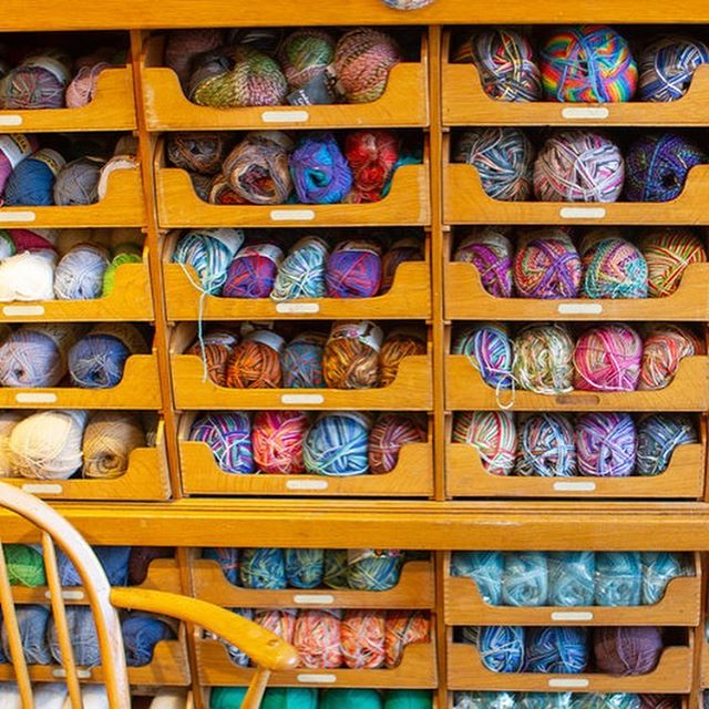 There's yarn-y temptations aplenty @sharp_works, our next shop to be profiled on the blog for this year's upcoming Great London Yarn Crawl. Small but perfectly formed, Sharp Works has a huge range of popular yarns - and we are in 😍with their cubbies filled with sock yarn! Make sure you confirm their opening hours before visiting as they're usually only open Thursday thru Saturday. . . . #greatlondonyarncrawl #glyc2019 #lovelocalyarnshops #lovelondonyarnshops