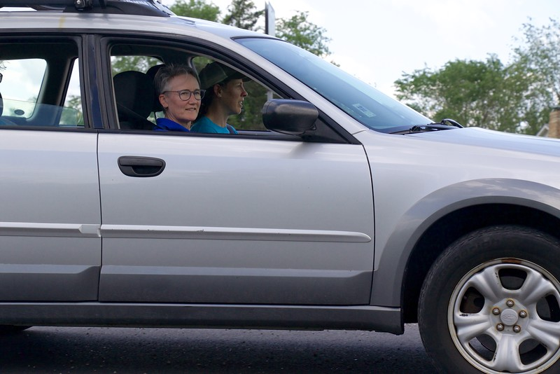 Today's race report is a composite of live race updates texted from CWEC manager  Cathy Frampton,  who was watching the race from the follow car (seen here)!Thank you, Cathy!
