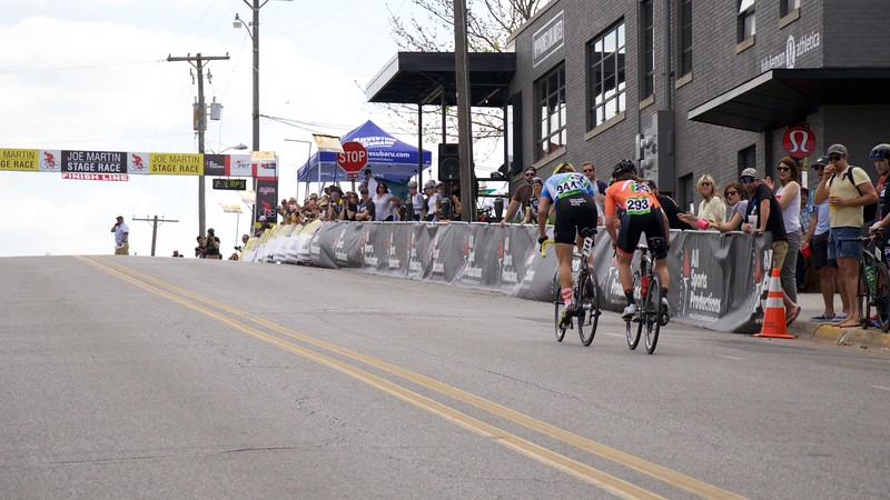 Spectators watch in awe as Amber powers up the finishing climb. Photo by SnowyMountain Photography.