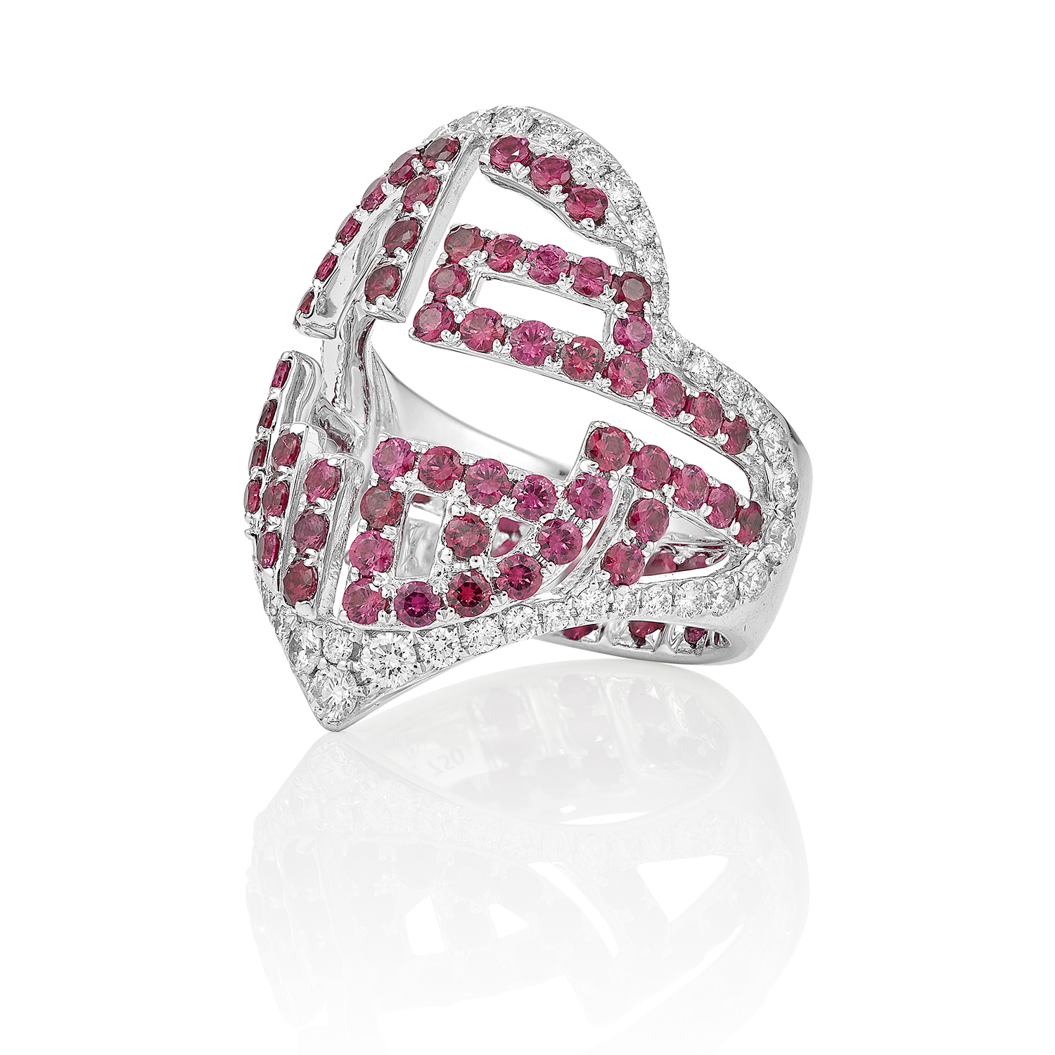 Ruby ring packshot jewellery photography London based still life photographer howlett photography