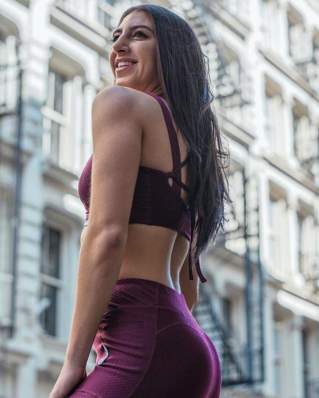 @fitprincess121 serving us body • Photo by me • • • #gymshark #fitprincess #Soho #fitnessmotivation #fitnessgirl #nycphotographer #nyphotographer #nyphotographers #nycvideographer #nyvideographer #workoutmotivation #workoutclothes #fitnessphoto #greenestreet
