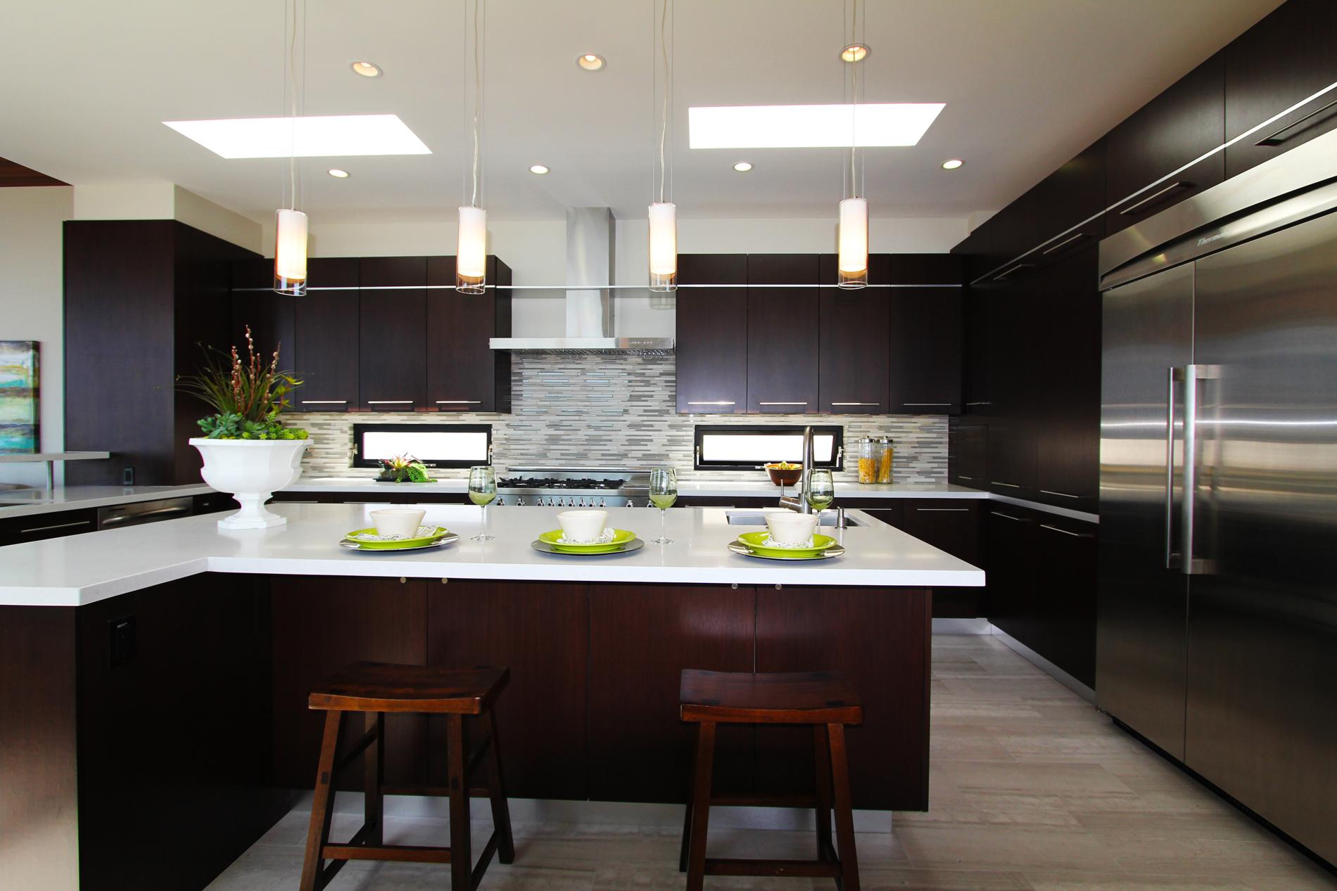 vista 34th kitchen2.jpg