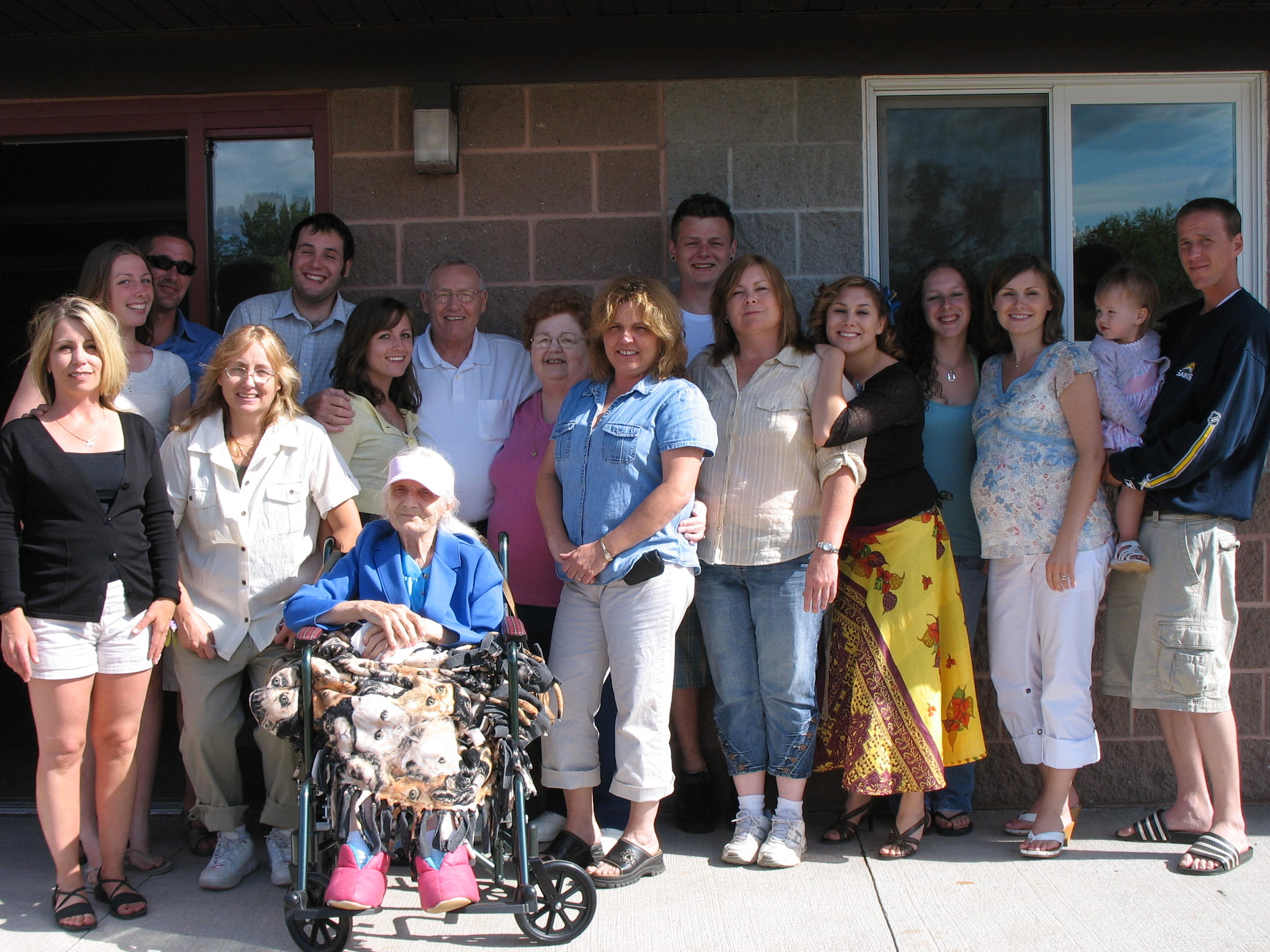 The entire McNeely clan in August 2007