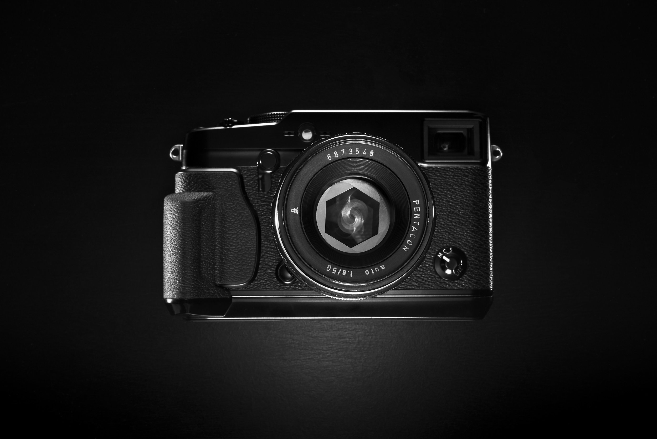 Fuji X pro 1 with Pentacon 50mm F1.8 #vintagelens #manualfocus  Photo taken on Nikon D750 FX with 40mm Voigtlander Ultron SL2, raw edit Capture one pro