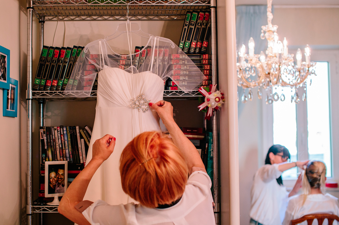 012-bride getting ready-mother.jpg