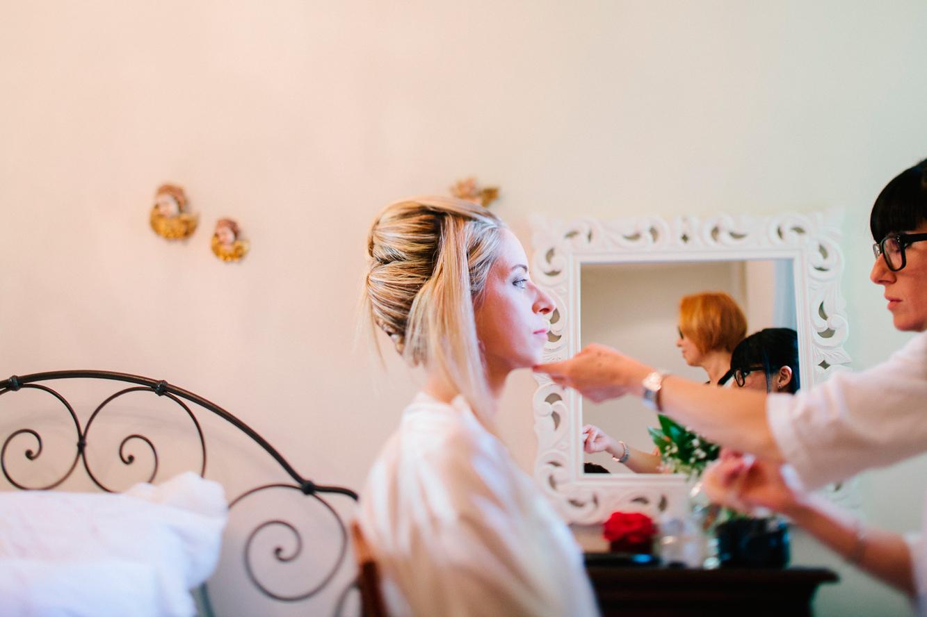 016-bride getting ready.jpg