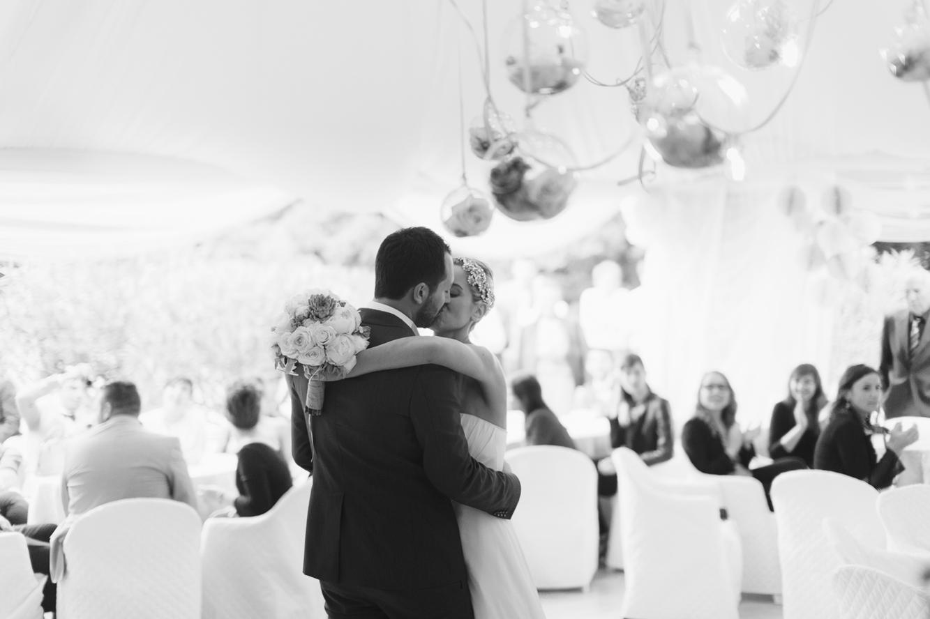 211-groom bride kiss dancing monteconero wedding.jpg