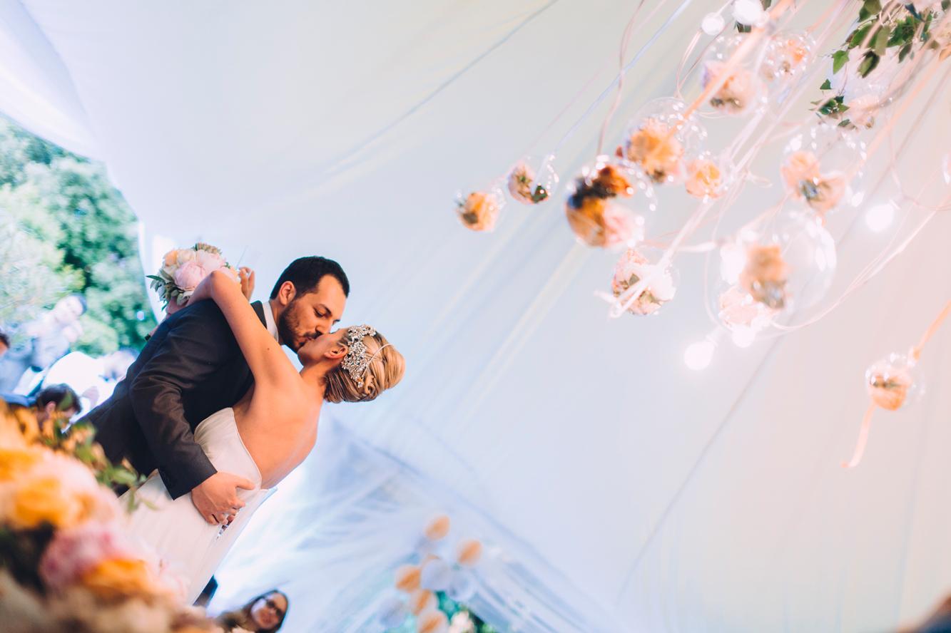 213-groom bride kiss dancing monteconero wedding.jpg