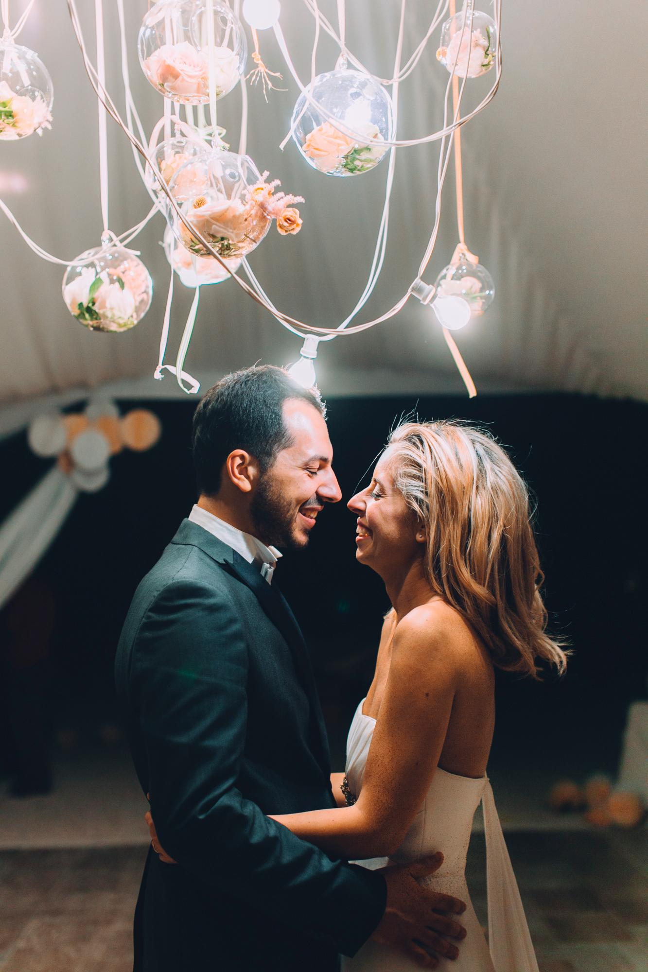 246-bride groom monte conero dancing.jpg