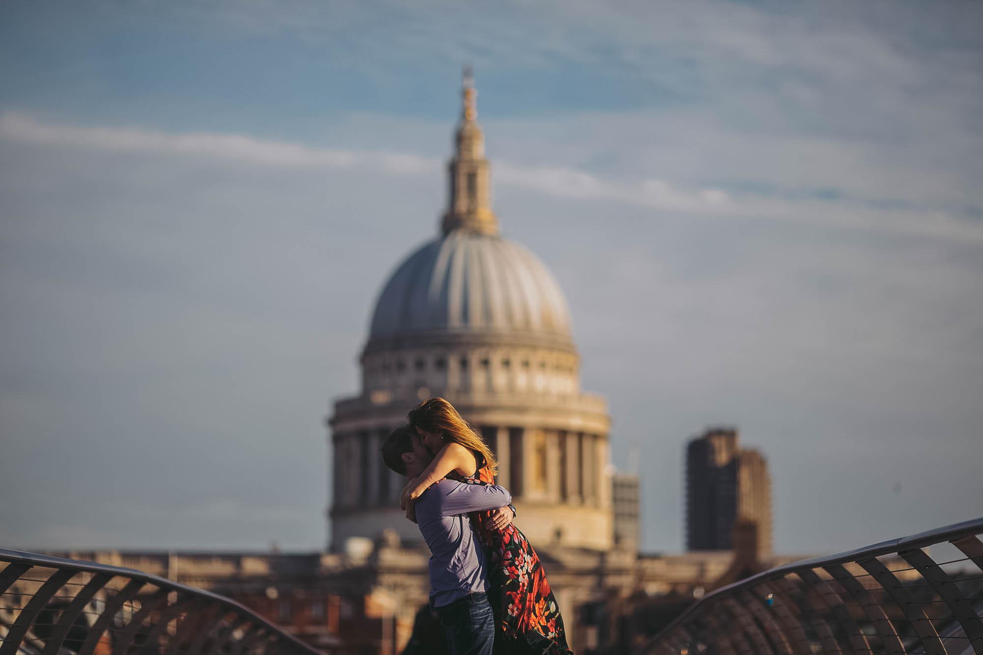 13_london engagement_london bridge_wedding.jpg