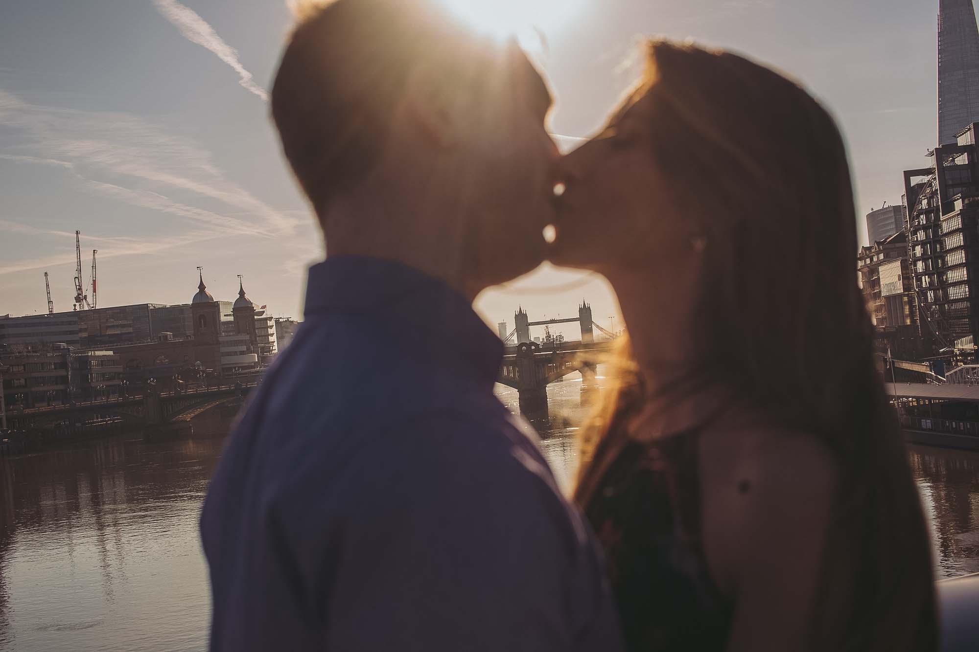 18_london engagement_london bridge_wedding.jpg