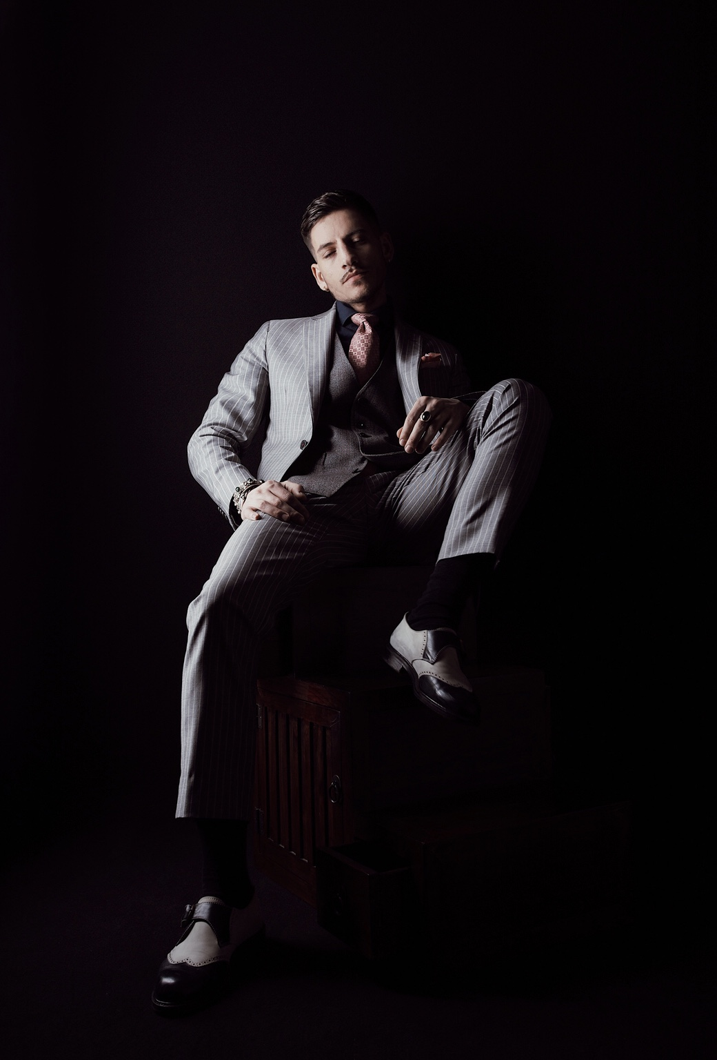 Ivan Toropey - Gentleman's Guide 13.2 - 01.jpg