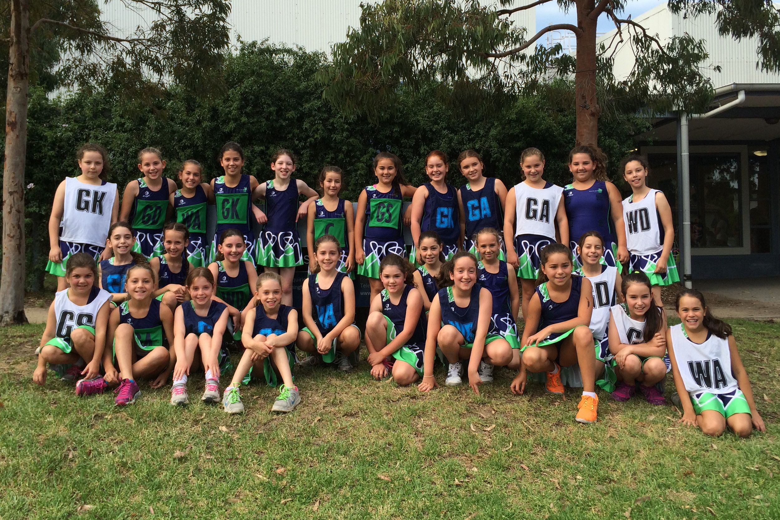 Maccabi under 11 teams together for their first game of 2015