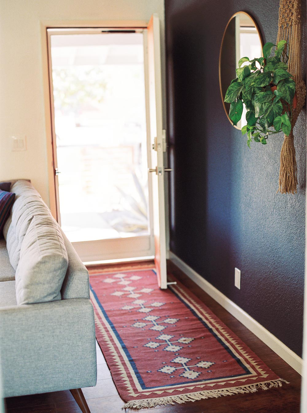 mid century modern living room-6.jpg