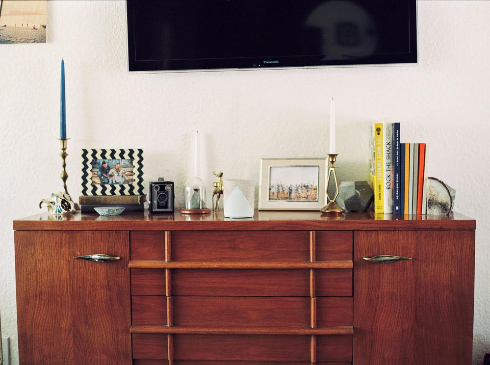 mid century modern living room-7.jpg